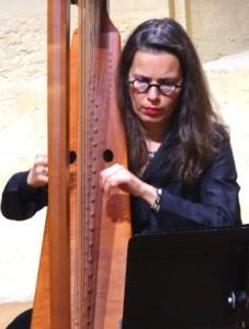 x.Bio & itw.Angélique mauillon & harpe. 104 ko