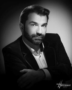 Florian Laconi. Harcourt, poussé