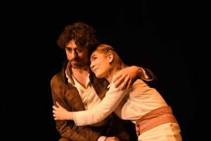 x.1Jean Valjean et Cosette.Ph. .JC Frèche. 103 ko