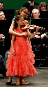 x.5.2.Mariam & Amira, 1 seul violon (2). 250 ko